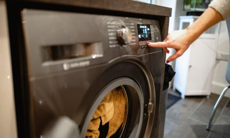 Can You Put Rubber Gloves In The Washing Machine?