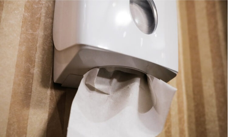 How To Make A Paper Towel Dispenser With This Easy DIY Project