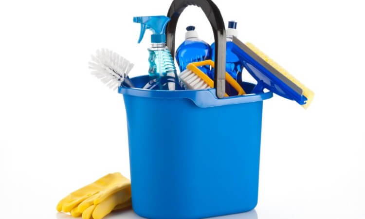 How to Pack Cleaning Supplies: Safety First