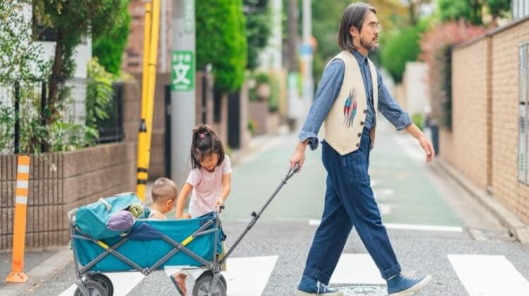 The 7 Best Collapsible Utility Wagons For Grocery Shopping