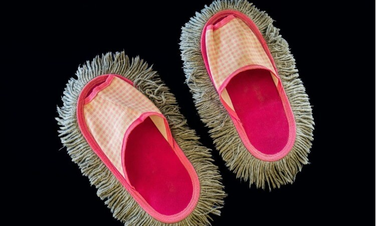The 7 Best Mop Slippers For Quicker Cleaning