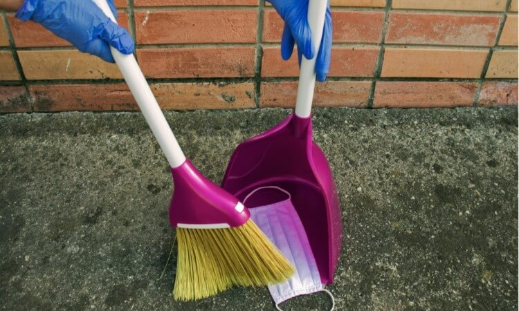 The 7 Best Broom And Dustpan Sets For Homes And Offices